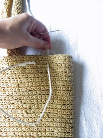 "inserting the running stitch after about 4-5 purse ""stitches"""